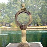 智恵の輪 灯籠